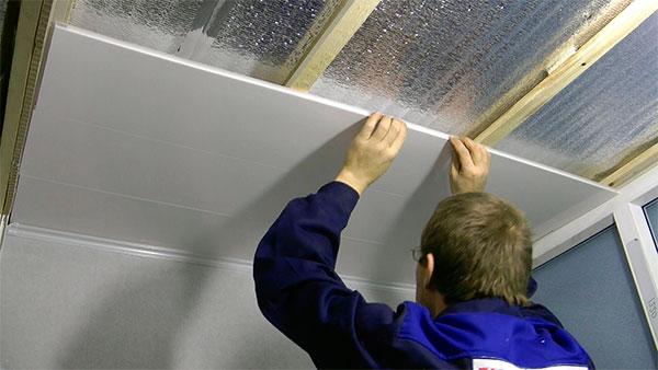 Как правильно делать ремонт в ванной комнате пластиковыми панелями